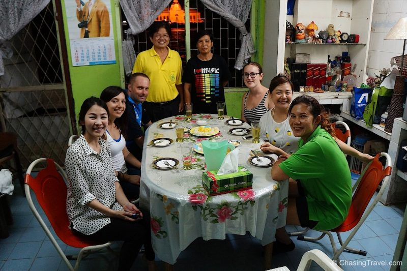 Eating with a Thai Family in Bangkok